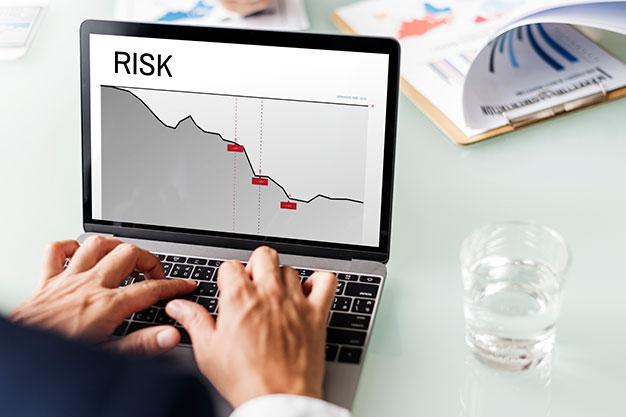 در چه شرایطی میتوان درصد ریسک در هر معامله را تغییر داد؟